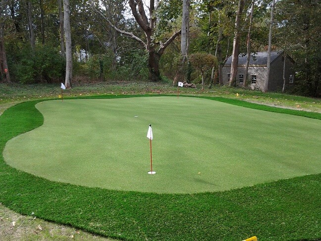 Artificial Grass Backyard Putting Greens :  Backyard Putting Greens in MA, NH, NY, CT, & RI  North East Synthetic