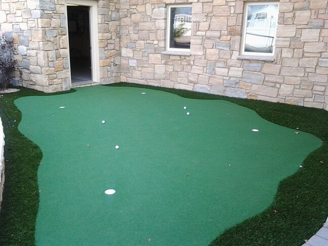 Patio Putting Green and Practice Area