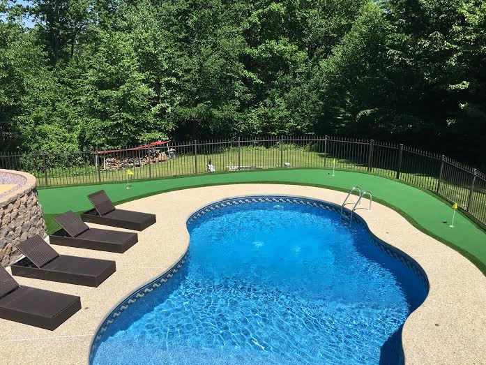 Pictures Of Backyard Putting Greens Amp Synthetic Turf