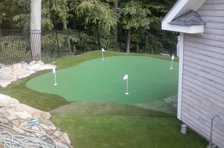 Putting green Chepequa NY