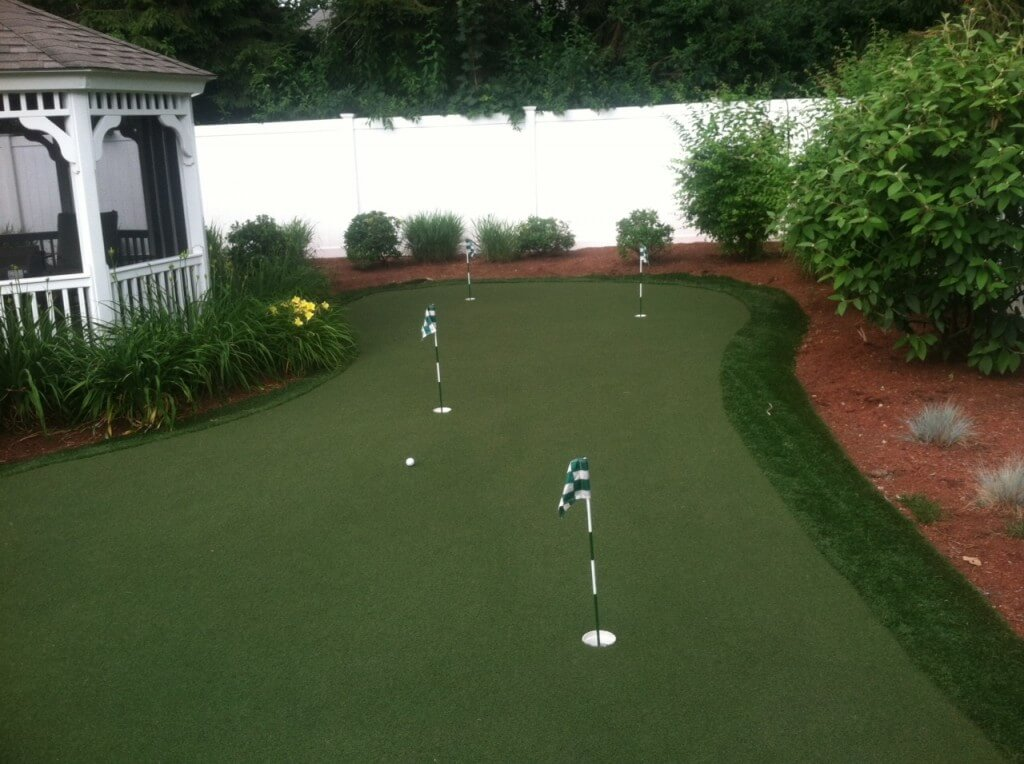 Back-Yard-Putting-Green2