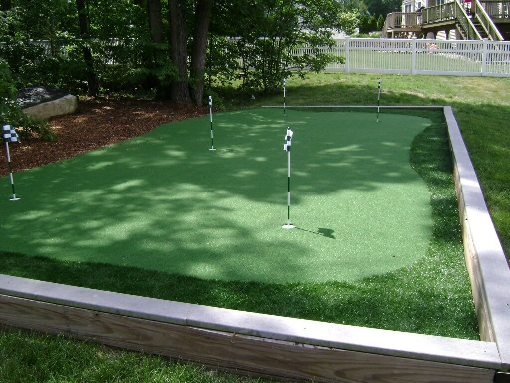 checkered flag and putting green
