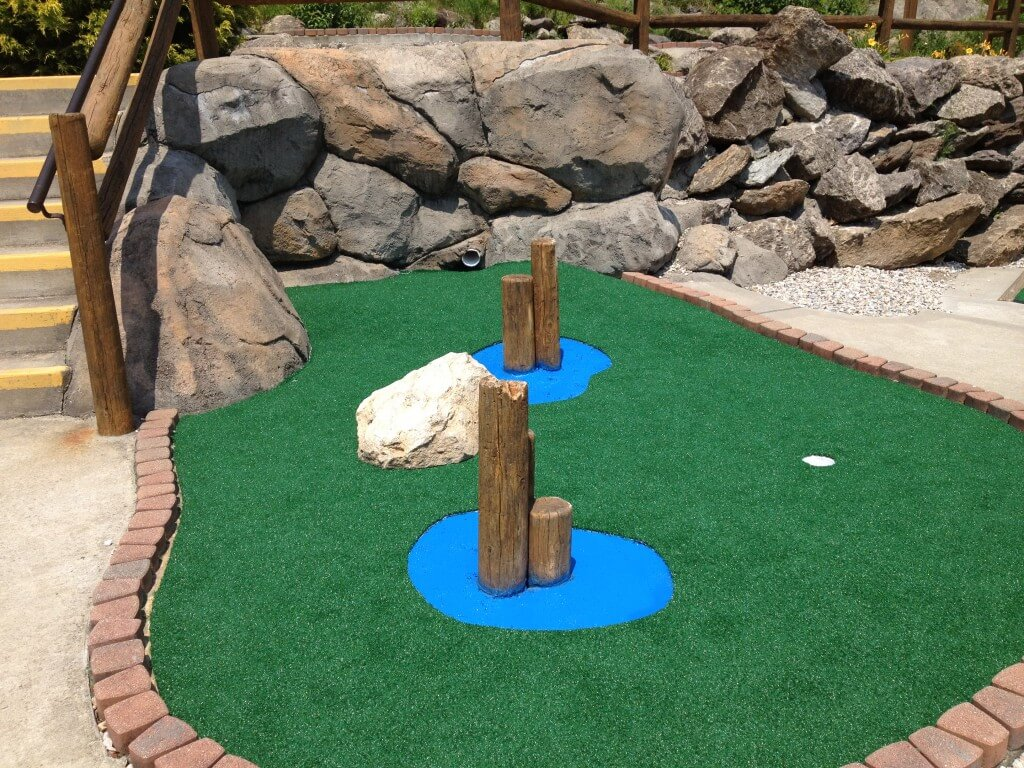 mini golf in new england
